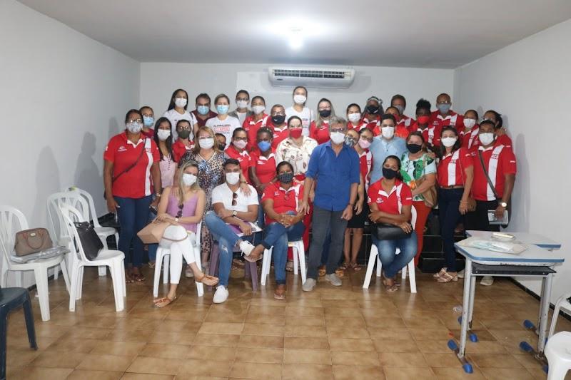 Dirce Prazeres participa de reunião com Agentes Comunitários de Saúde e discute a qualidade da atenção básica em Lima Campos.