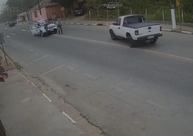 Ação conjunta Policial consegue prender mulher que roubou carro em Cananéia