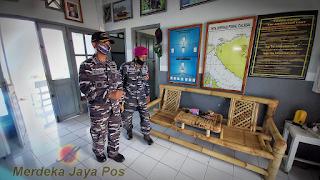 """Memperkuat Sinergitas, """"KRI Yos Sudarso-353"""" Kunjungi Posal Calabai"""