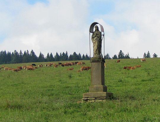 Figura Matki Bożej.