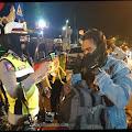 Polresta Mojokerto Bagikan Masker kepada Pengendara dan Pesepeda