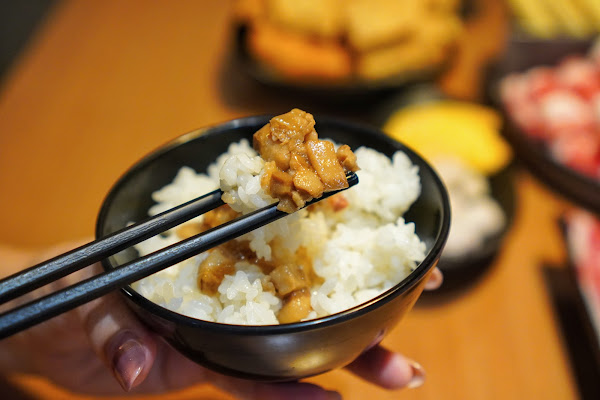 台南安平區美食【老城門佰元鍋物】香菇肉燥飯