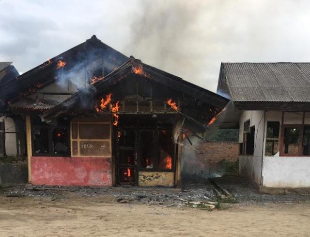 Rumah Dinas Guru Tak Berpenghuni Ludes Terbakar