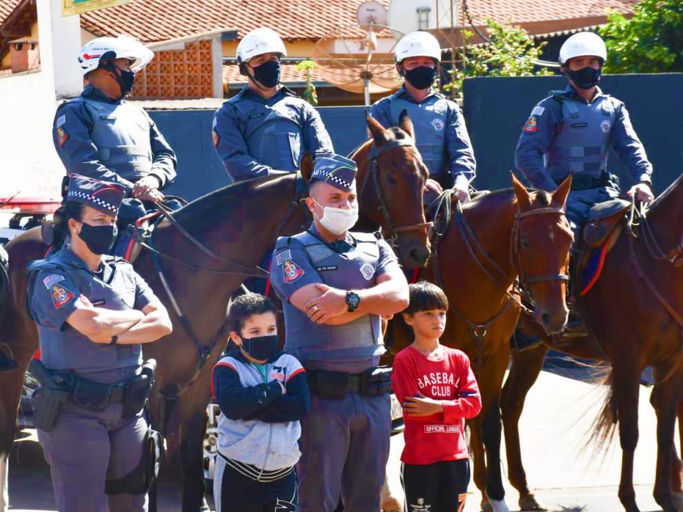 Pelotão de Cavalaria de Barretos é recepcionado em Colômbia