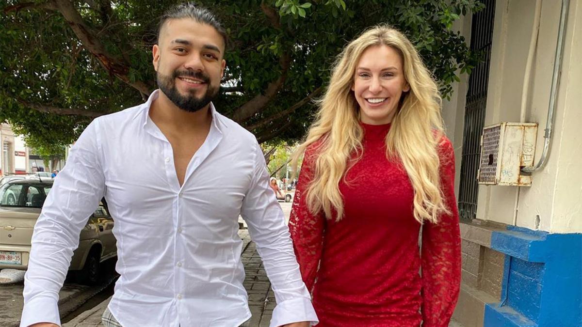 Andrade espera contar com Charlotte Flair em seu corner algum dia