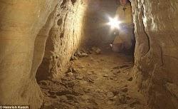 Είναι δυνατόν οι αρχαίοι πολιτισμοί να ήταν διασυνδεμένοι πριν από χιλιάδες χρόνια; Σύμφωνα με χιλιάδες υπόγειες σήραγγες που επεκτείνονται ...