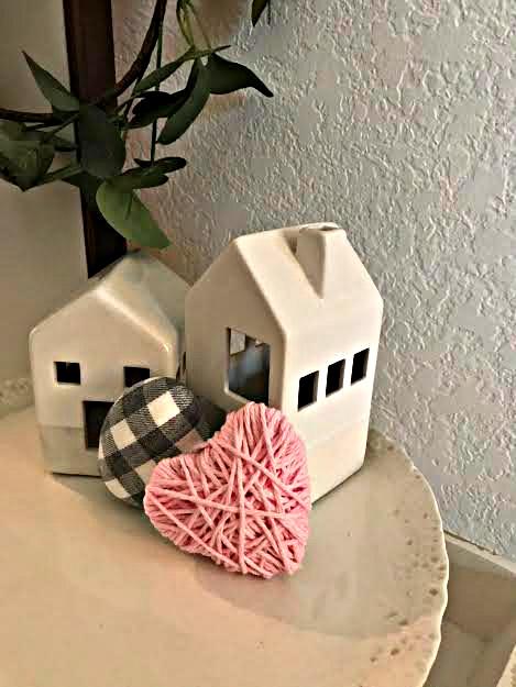 pink, yarn, craft, handmade, valentine, heart, athomewithjemma.com
