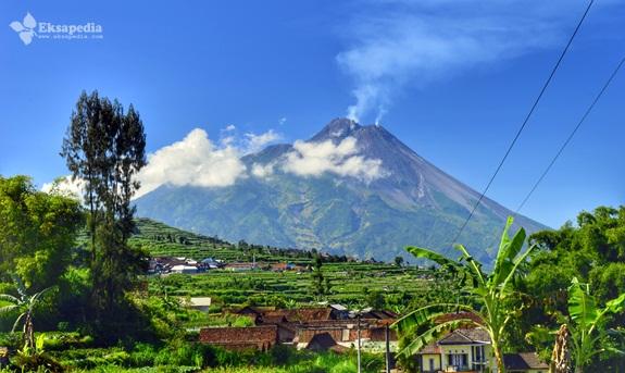 Pemandangan Gunung Merapi