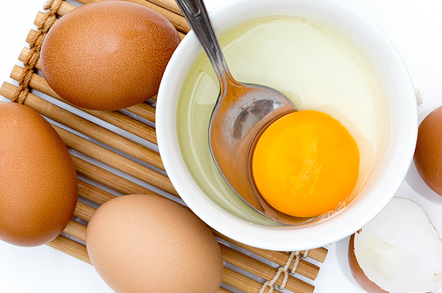 Cara Meluruskan Rambut Dengan Telur