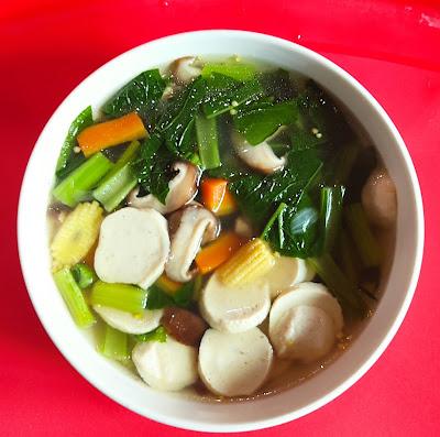 Sup Sayur Campur Bebola Ikan, sup sayur, sup sayur bebola ikan, sup sayur fishball, fishball, resipi sayur mudah dan sedap, sayur sedap, sup sayur, sup sayur sawi, sup sayur campur, sup fishball, sup bebola ikan, sayur kegemaran, sup sayur diet, menu diet, sup sayur sawi, mudahnya masak sayur, mudahnya masak sup sayur, sup sayur sawi sedap, sup sayur rebus, sup sayur sendawan shitake, cendawan shitake,