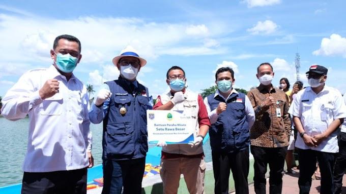 Kang Emil Hibahkan Perahu Untuk Situ Rawa Besar