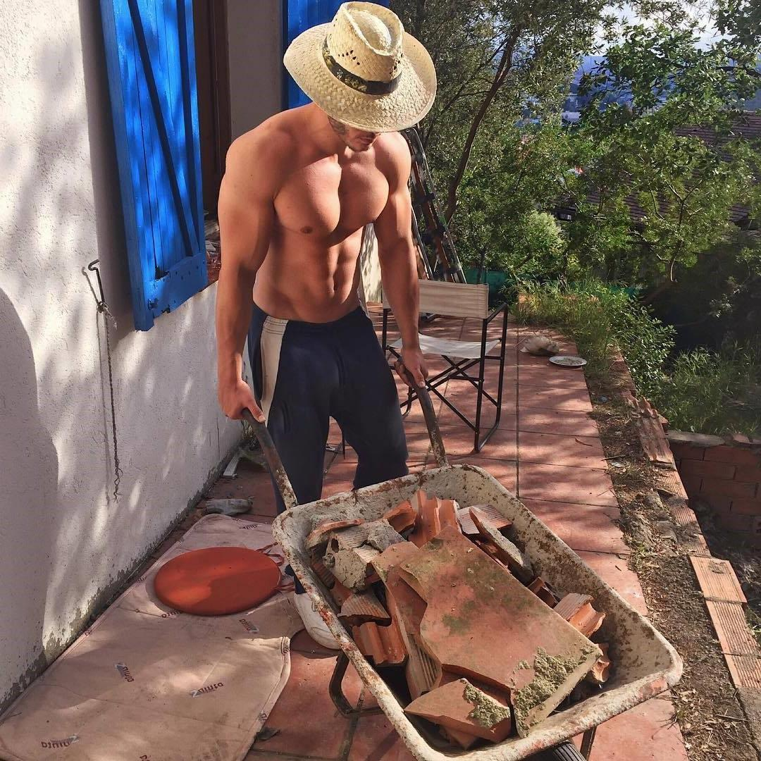 sexy-beefy-young-bare-chest-swole-muscle-worker-attractive-labor-neighbor