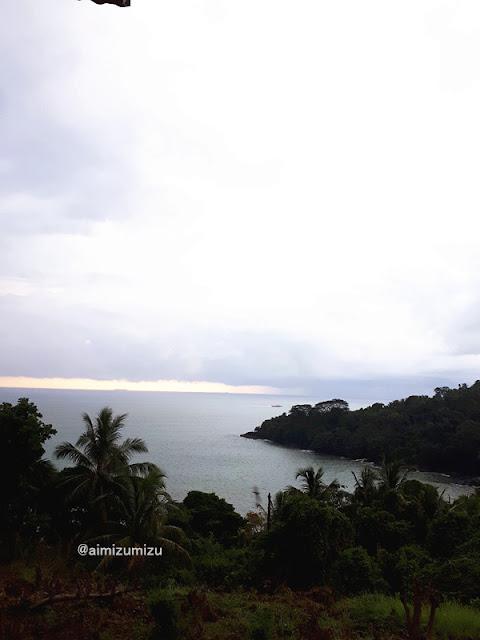 Wisata Pantai Air Manis dari Gunung Padang