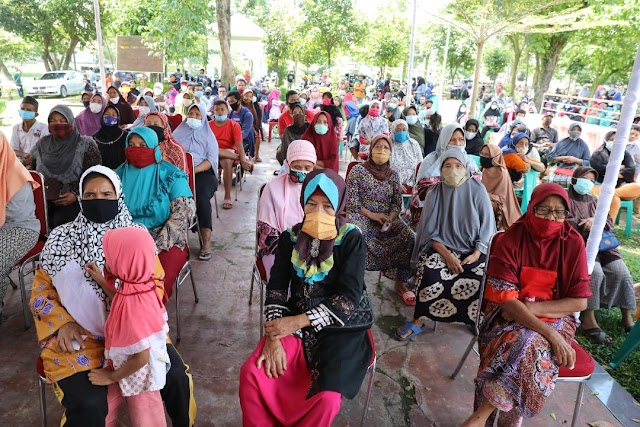 Sri Wahyuni Foundation Bagikan 1.500 Paket Bahan Pokok