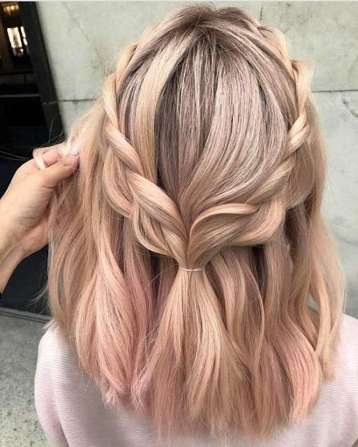 Se você tem cabelo curto e quer fazer penteados lindo mas não sabe como, saiba que você pode fazer penteados perfeitos e ainda mais sozinha. Pois esses penteados são super fáceis e você pode fazer para o dia a dia ou para qualquer ocasião. A única coisa que você vai precisar é de vontade, pois o resto é super fácil. Você pode fazer com tranças ou um pouco mais solto.
