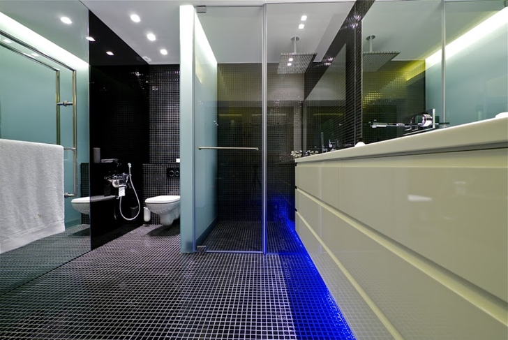 Modern penthouse bathroom