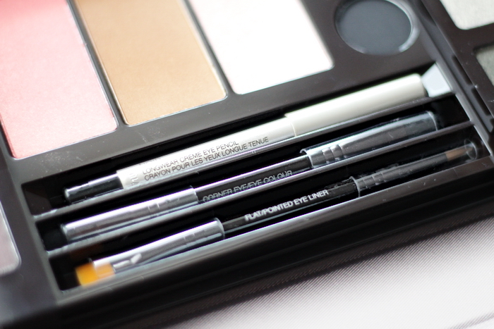 Laura Mercier Master Class Colour Essentials
