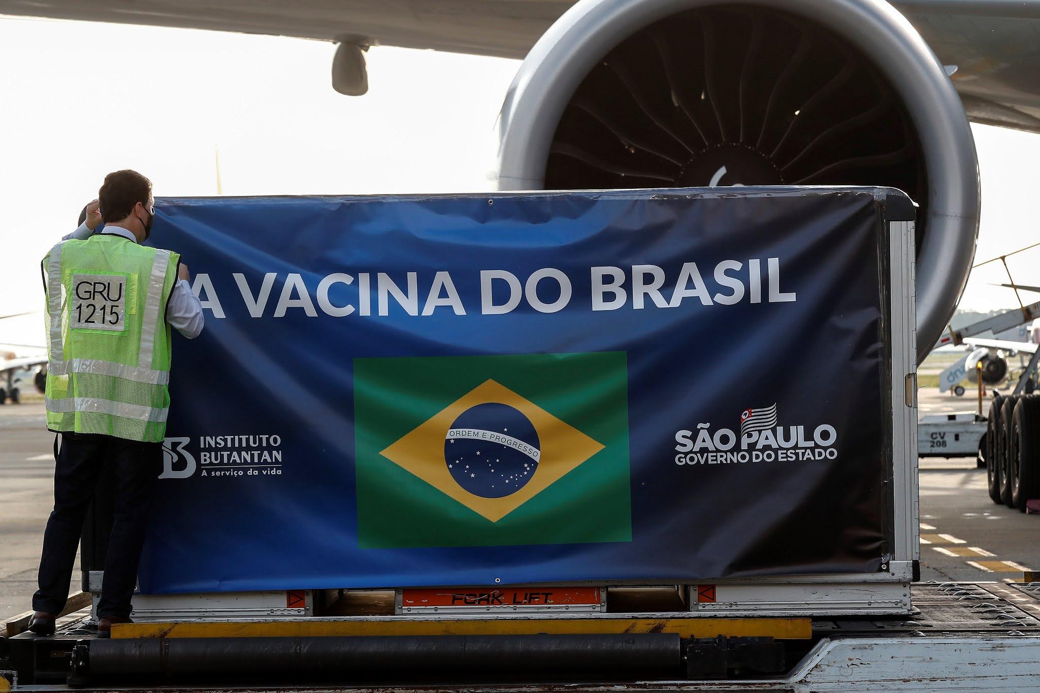 Coronavirus: Brasil anunció la compra de 100 millones de dosis de la vacuna de Pfizer y 38 millones de Johnson & Johnson