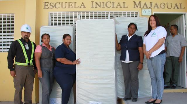 Khoury Industrial Entrega Colchones a Estancia de Escuela Básica Majagual en Cabral