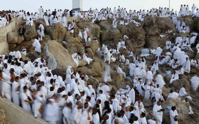Kisah Bos JNE: Mualaf, 99 Masjid, dan Mimpi di Jabal Rahmah