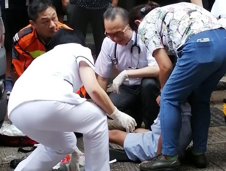 Bocah Berusia 7 Tahun Tertabrak Mobil Van Saat Menyeberang Jalan di Yau Ma Tei