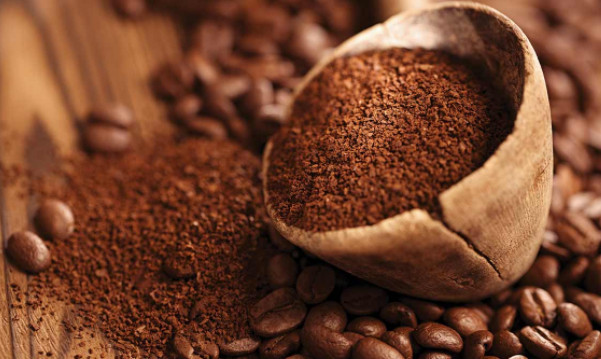Trị nám da mặt hiệu quả với mặt nạ bã cà phê