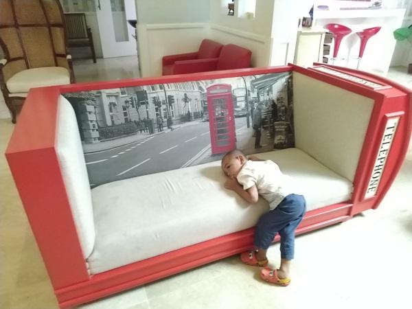 sofa kursi box telephone ala inggris
