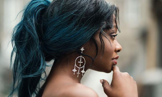 hermosa modelo de  raza negra