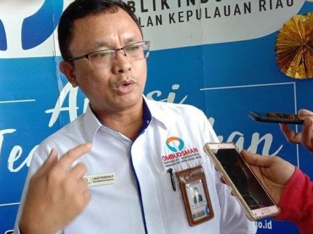 Ombudsman kepri  mendengar keluhan masyarakat soal air di kelola PT. Moya indonesia