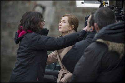 Elle Isabelle Huppert Set Photo (9)