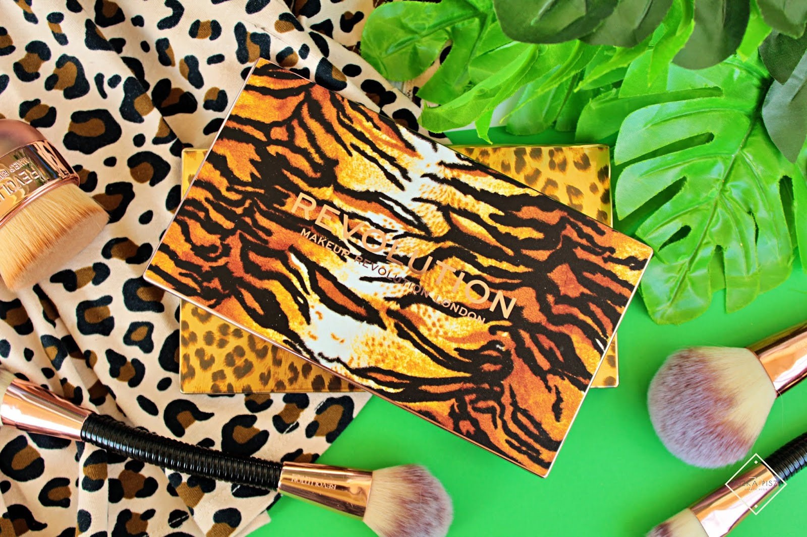 Palety cieni Makeup Revolution WILD ANIMAL Courage & Fierce