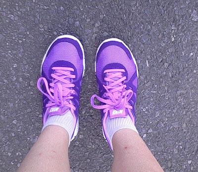 Nike Revolution 2 - buty do biegania damskie