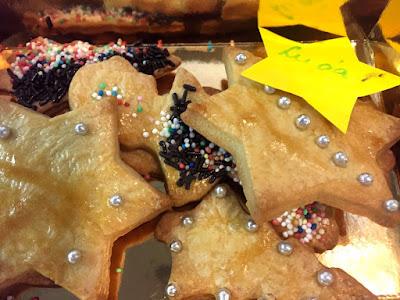 Und natürlich nimmt jeder seine eigenen Kekse mit. © diekremserin on the go
