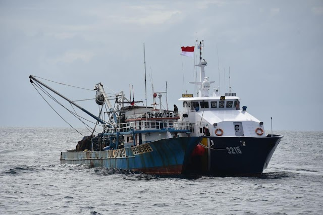 KKP Ringkus Dua Kapal Illegal Fishing Berbendera Filipina di Laut Sulawesi