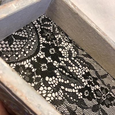 Sara Emily Barker https://sarascloset1.blogspot.com/2019/04/trashy-love-story-vignette-for-frilly.html Vignette Box Tutorial Tim Holtz 3D Embossing Seth Apter Baked Velvet 9a