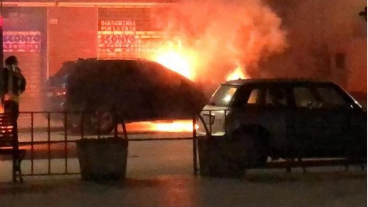 auto bruciata Francesco Scollo