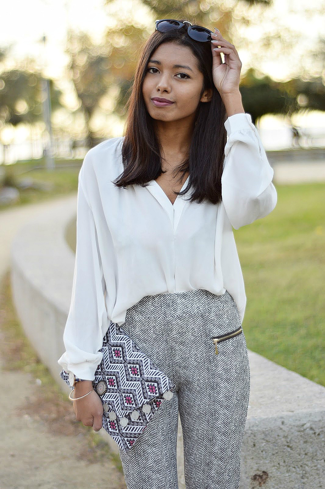 how to style ethnic bags