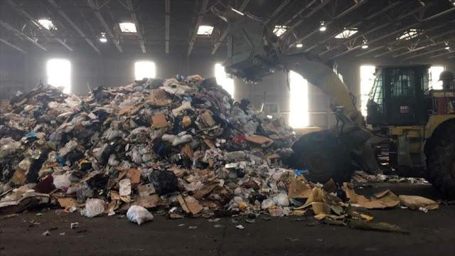 EEUU se hunde en su propia basura mientras China no la compra más