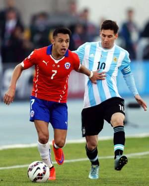 Messi Dan Sanchez Tabrakkan