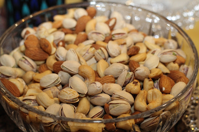 Benefits of Drinking Milk with Pistachios