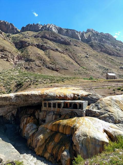 www.viajaportodoelmundo.com   Puente del Inca Mendoza.