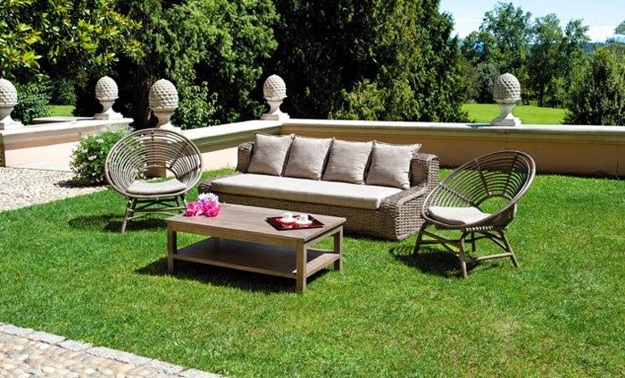Inspiration shabby salotto da giardino in stile provenzale for Set giardino legno