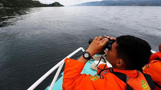 Tim SAR Terus Lakukan Pencarian ABK KM Multi Prima I yang Kandas di Perairan Kapoposang, Bali