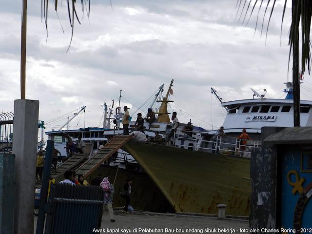 Kapal kayu di Bau-bau Sultra