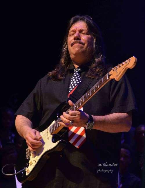 Έφυγε απο τη ζωή ο κιθαρίστας και συνιδρυτής των Riot, Lou A. Kouvaris