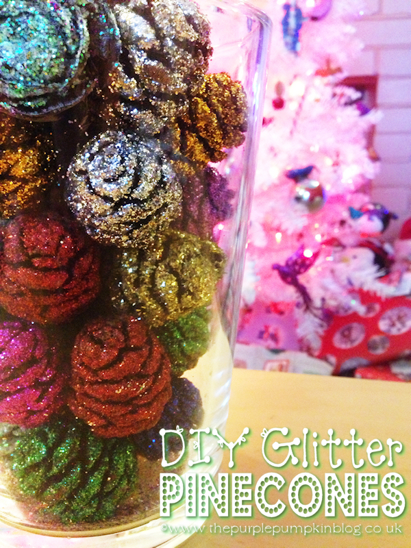 DIY Glitter Pinecones - Easy #Christmas Craft!