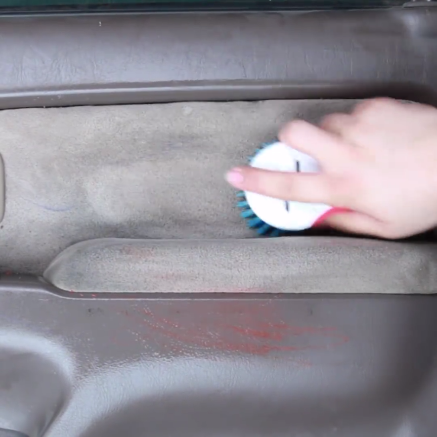 10 genius car cleaning hacks that does the job well craftsonfire. Black Bedroom Furniture Sets. Home Design Ideas