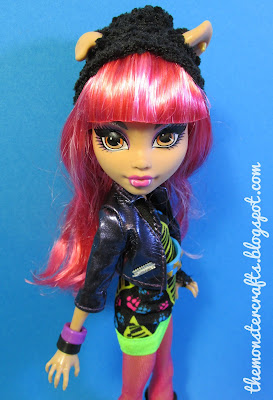 13 wishes Howleen Wolf doll photography