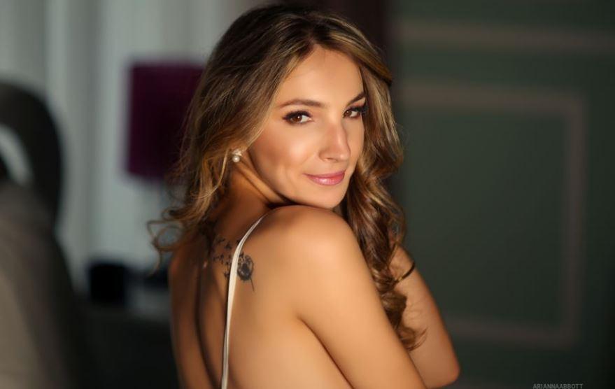 AriannaAbbott Model GlamourCams