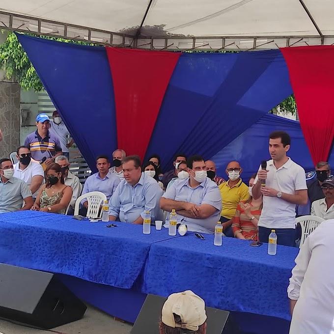 Com presença de deputados e secretário de estado Matheus Martins entregou equipamentos agrícolas e apresentou novas obras